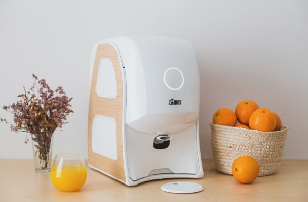 SOUL White is the name given to this limited series created by the ZUMEX® team to celebrate the firm's 30th anniversary. A version of its successful and innovative SOUL Premium juicer, with a production of just one hundred numbered units.